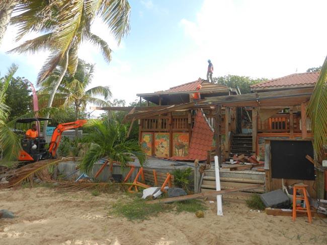 Le bâtiment au démarrage du chantier de démolition