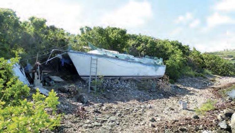 L'épave échouée depuis 1995 A ship that sank in 1995