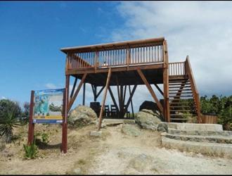 Plusieurs panneaux pédagogiques ont été installés sur le site de Coralita