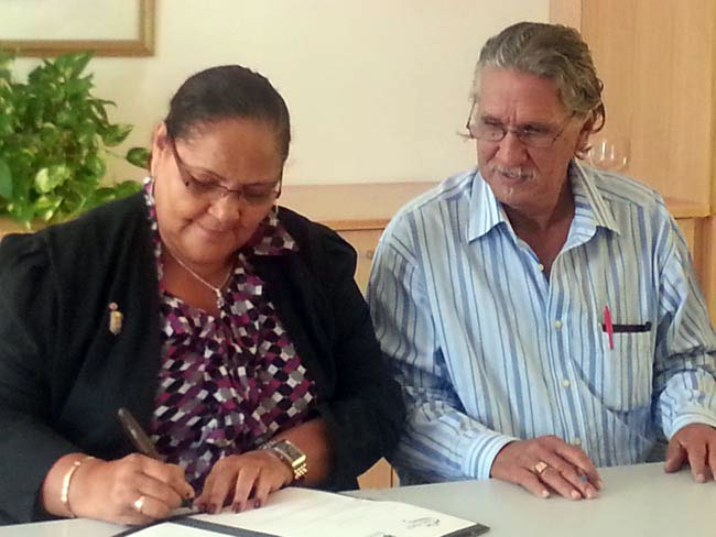 Signature of the convention between the COM and the Nature Reserve