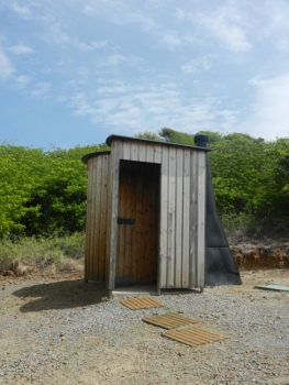 Toilettes sèches à Pinel | Dry toilets on Pinel © Béatrice Galdi