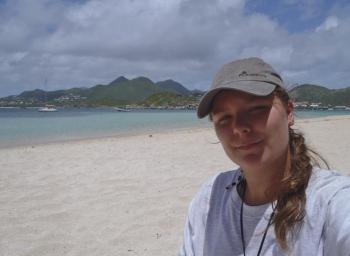 Léa Daures à l'îlet Pinel, sur le terrain
